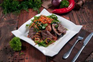 Овощи гриль с говяжьей вырезкой