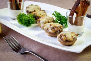 Фаршированные грибы с мясом